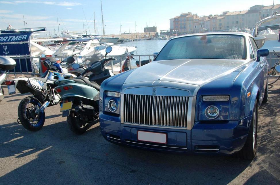 Mehr Rolls-Cabrios als hier hab ich noch nie auf einem Fleck gesehen.