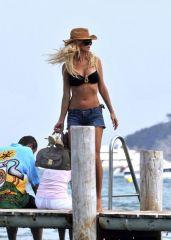 Beachgirl unbeobachtet