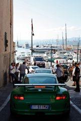 Mit dem Auto ist es eigentlich eine Qual dort unten am Hafen zu fahren. Der Proscheclub muss natürlich zeigen was sie haben.