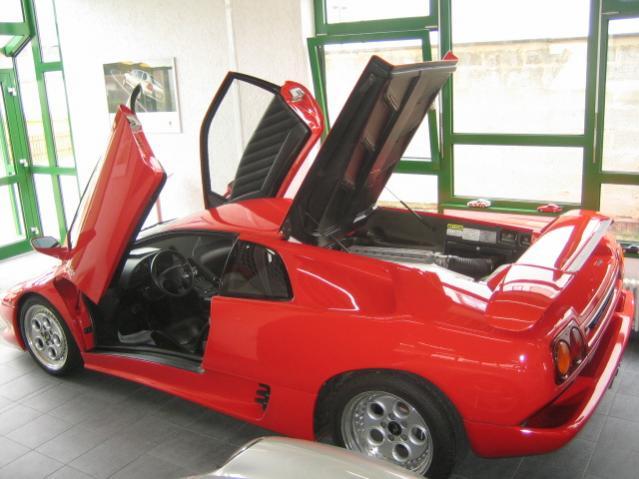 Lamborghini Diablo im Laden 016