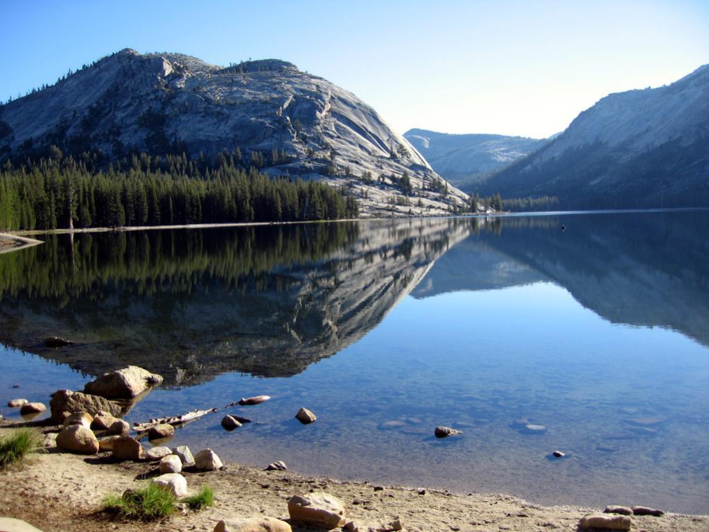 Der Tenaya Lake im Yosemite Nationalpark.