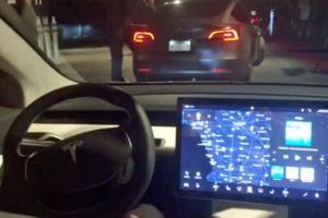 Tesla-Model-3-2016-im-Test-Sitzprobe-Mit