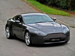 aston-martin-vantage-coupe-petrol_27274781.jpg