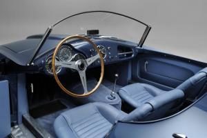 005 1953 Arnolt-Aston Martin DB2_4 Bertone Spyder de Luxe.jpg