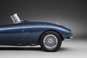 015 1953 Arnolt-Aston Martin DB2_4 Bertone Spyder de Luxe.jpg