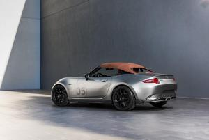 Mazda-MX-5-Spyder-et-Speedster-8.thumb.jpg.ff3c9e79d5c9ce021a12745467c9c02e.jpg