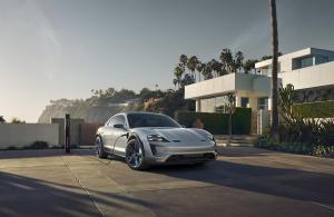 Porsche-Mission-E-Cross-Turismo-Concept-10.thumb.jpg.074004d46e3cad8e6332177a22bba5f9.jpg