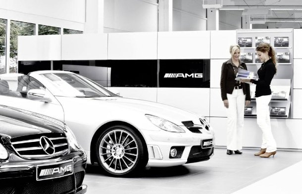 Mercedes AMG Performance Center