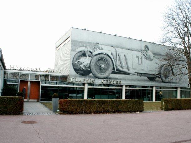 Mercedes benz classic center wo alte sterne wieder for Mercedes benz classic car center