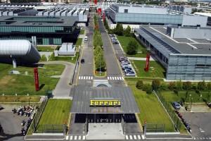 Rassepferdezucht – Besichtigung im Ferrari Werk in Maranello