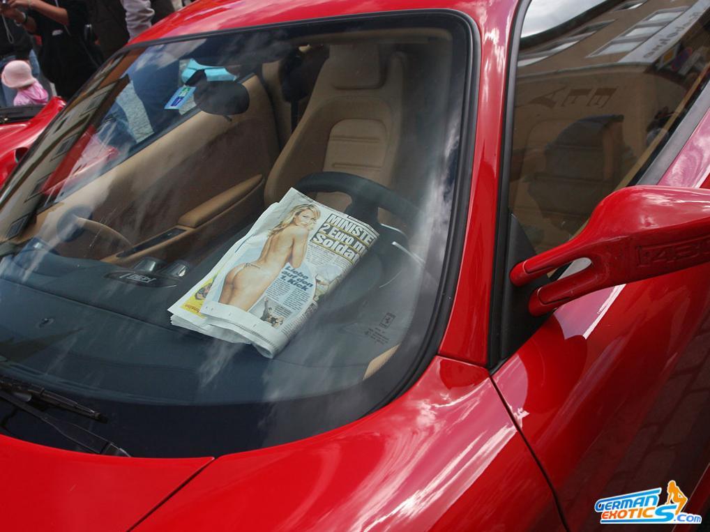 Ferrari Fahrer lesen Bild Zeitung!