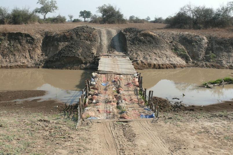Behelfsbrücke Nsefu Sektor - Southern Luangwa - Zambia