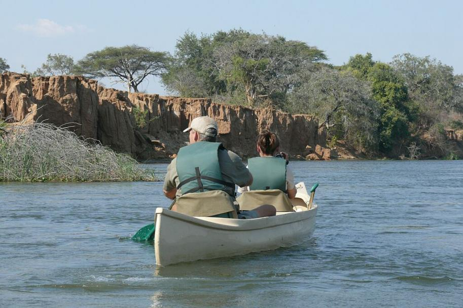 Mit dem Kanu auf dem Zambezi, Hippos und Crocs freuen sich schon - Lower Zambezi - Zambia