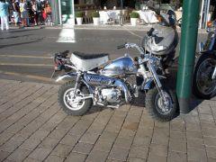 Solch ein Gefährt ist in St. Tropez mehr Eyecatcher als jeder Lambo oder Ferrari.