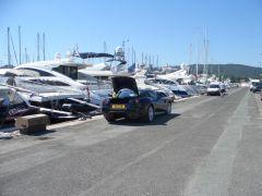 Selbst zum Transport von Equipment eines Bootseigners taugt der 599.