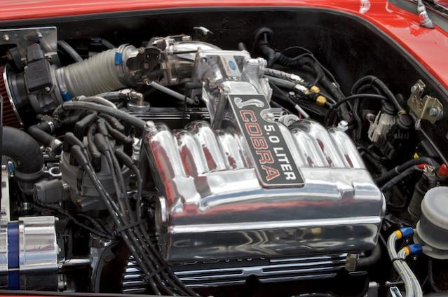 Klassische Ford 302 TPI Engine (Saugrohreinspritzer)