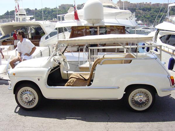 Ferrari und andere nette Fahrzeuge in St. Tropez
