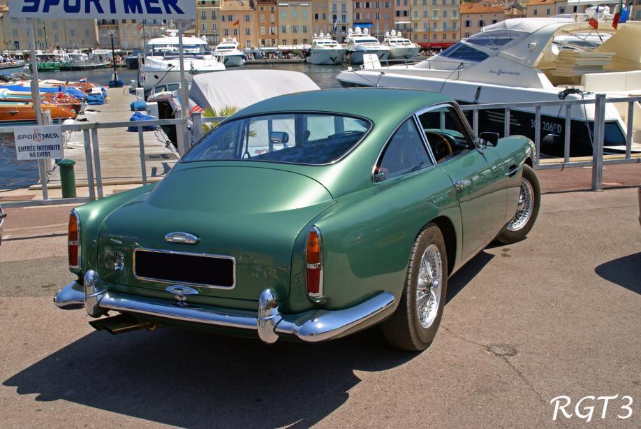 Wunderschöner Aston Martin DB4 am Hafen