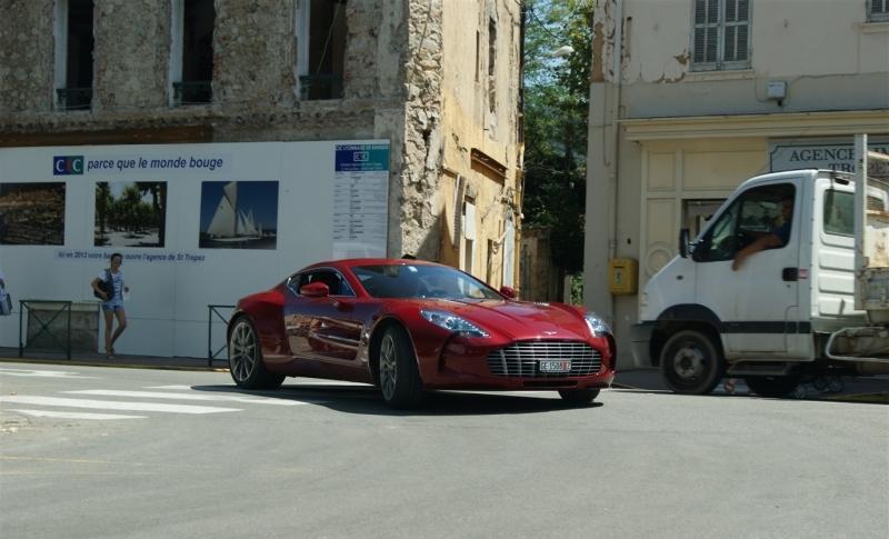 Aston Martin in der Stadt