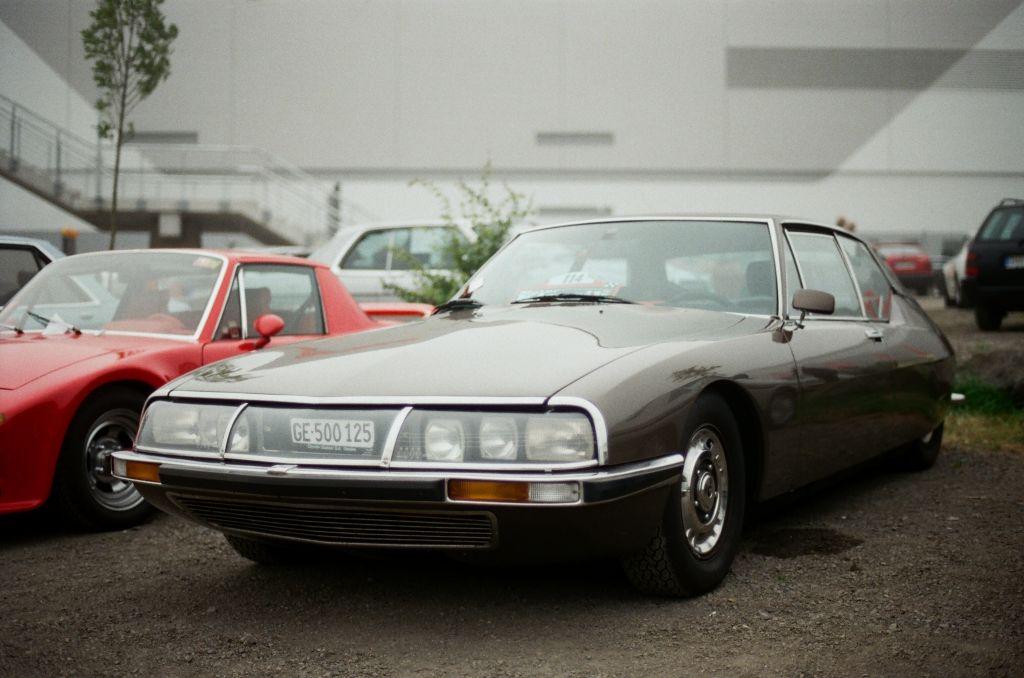 Citroen SM mit Maserati-Motor - für meine Begriffe neben den Chapron-Cabrios das attraktivste und interessanteste Fahrzeug der Marke.
