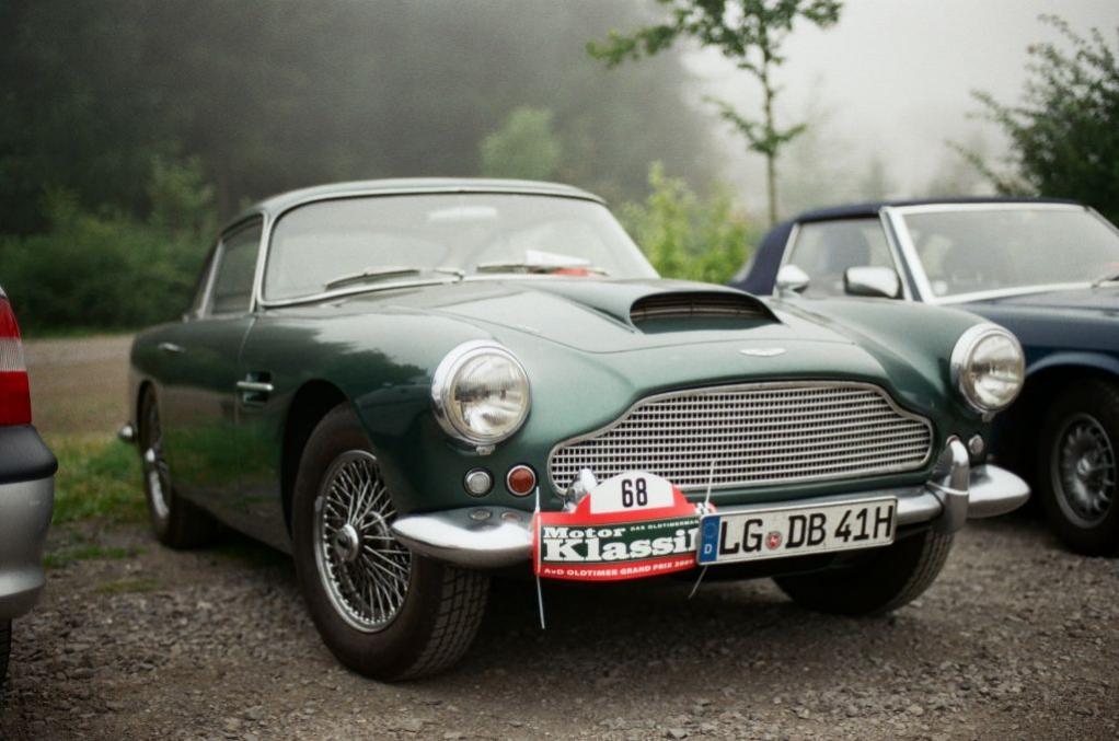 Ein schöner Aston Martin DB4