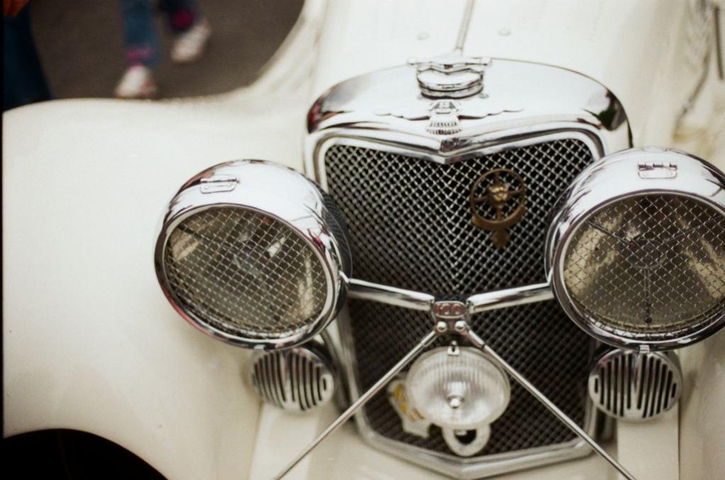 Die imposante Front eines (Jaguar) SS100 von 1936