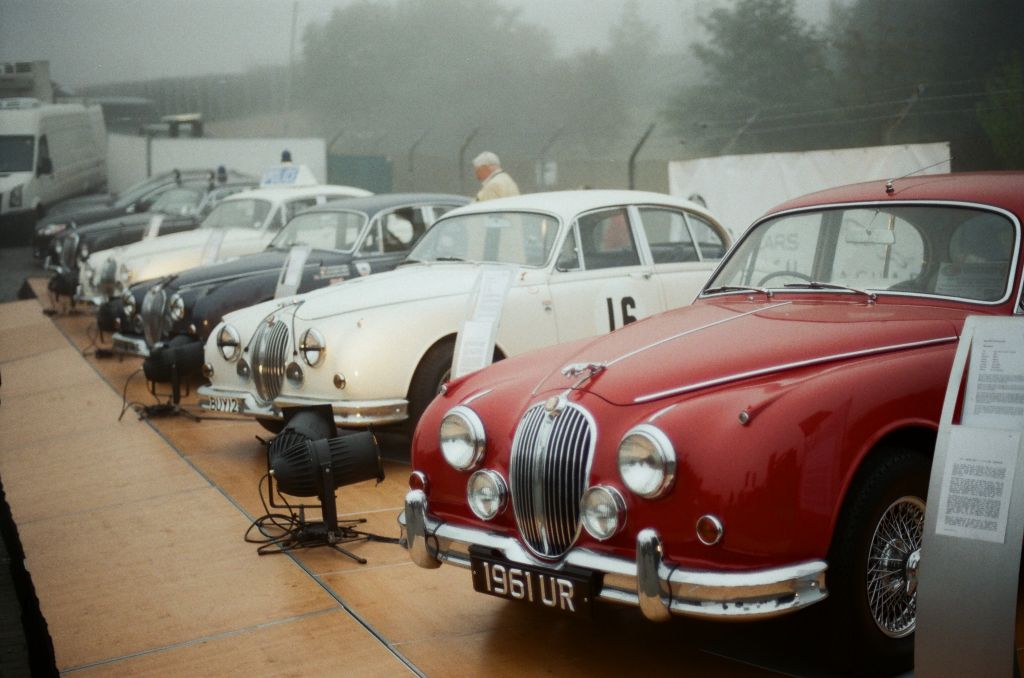 "Präsentation zum Thema ""50 Jahre Mark II"" am Jaguar-Zelt"