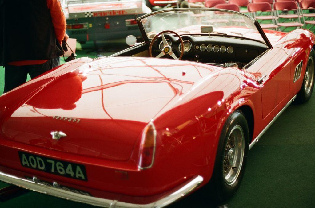 Ferrari 250 GT Spyder von 1963 - nachträglicher Umbau, aber ein sehr guter. Und natürlich deutlich preiswerter als ein originaler California.
