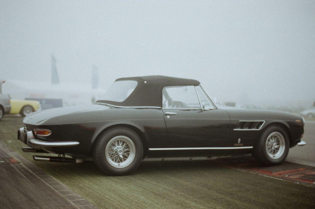 Recht selten zu sehen: ein Ferrari 330 GTS.