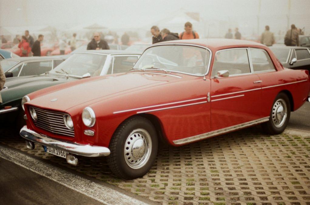 Nein, keine Halluzination - tatsächlich ein Bristol 409 von 1966.