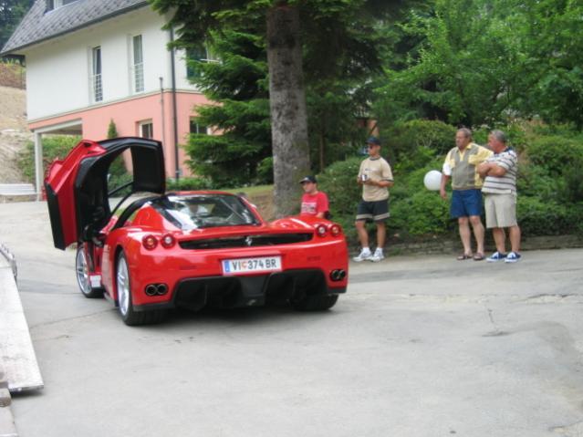 Enzo & Bugatti werden geliefert