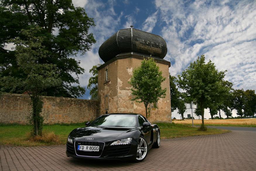Audi R8  castle