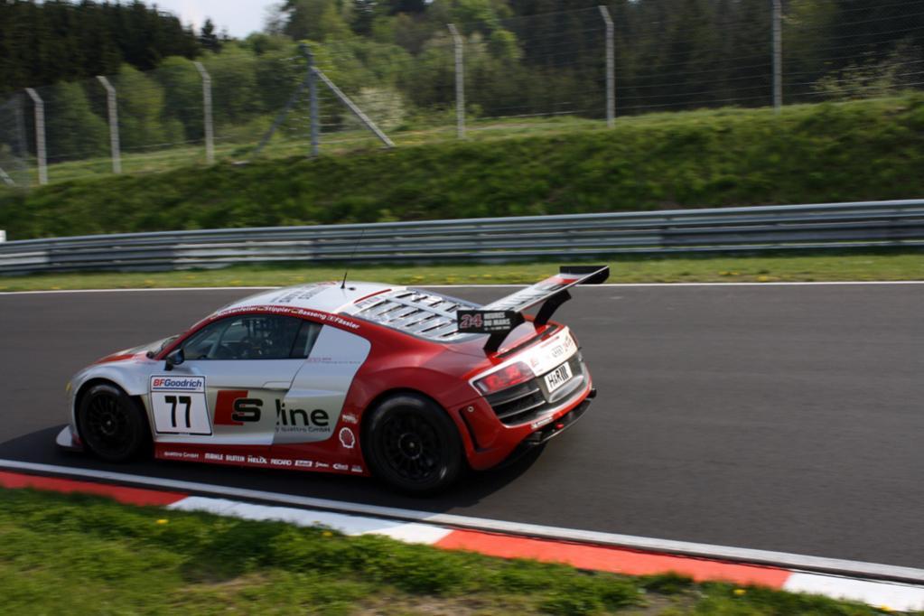R8 LMS , ernsthafte Konkurenz für Porsche GT3 RSR
