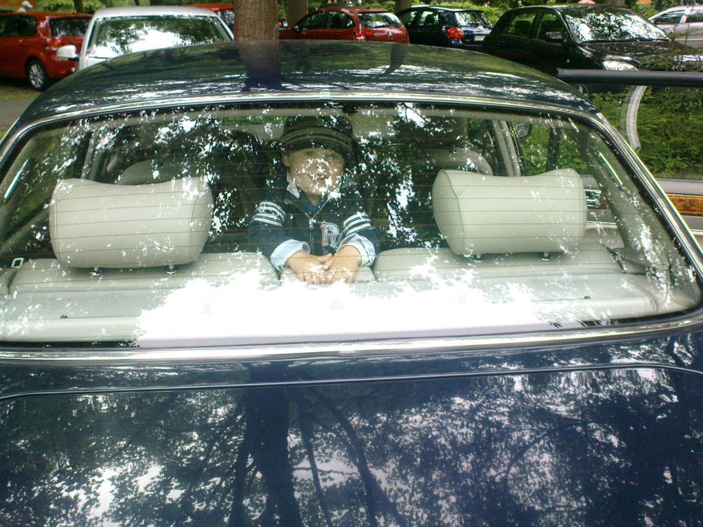 Auch die jüngste Generation fühlt sich in diesem Auto sehr wohl.