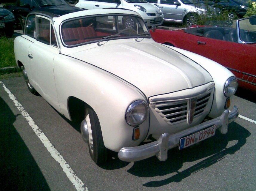 Ein sehr seltenes Stück: Goliath GP 700 Cabrio-Limousine von 1952 bei der Rursee Classic