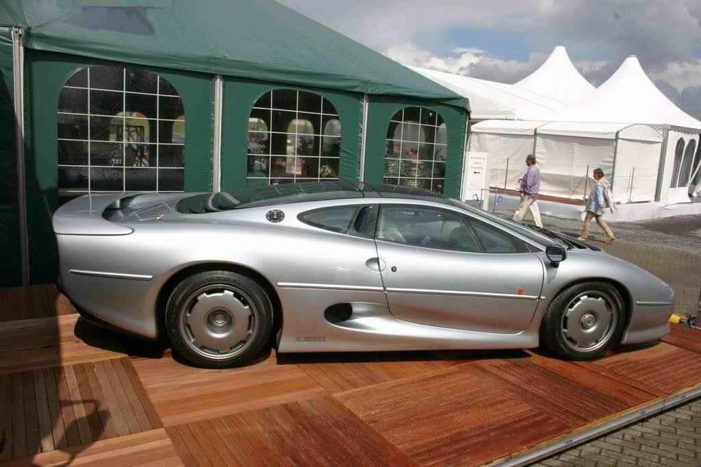 Jaguar XJ220 (OGP 2008)