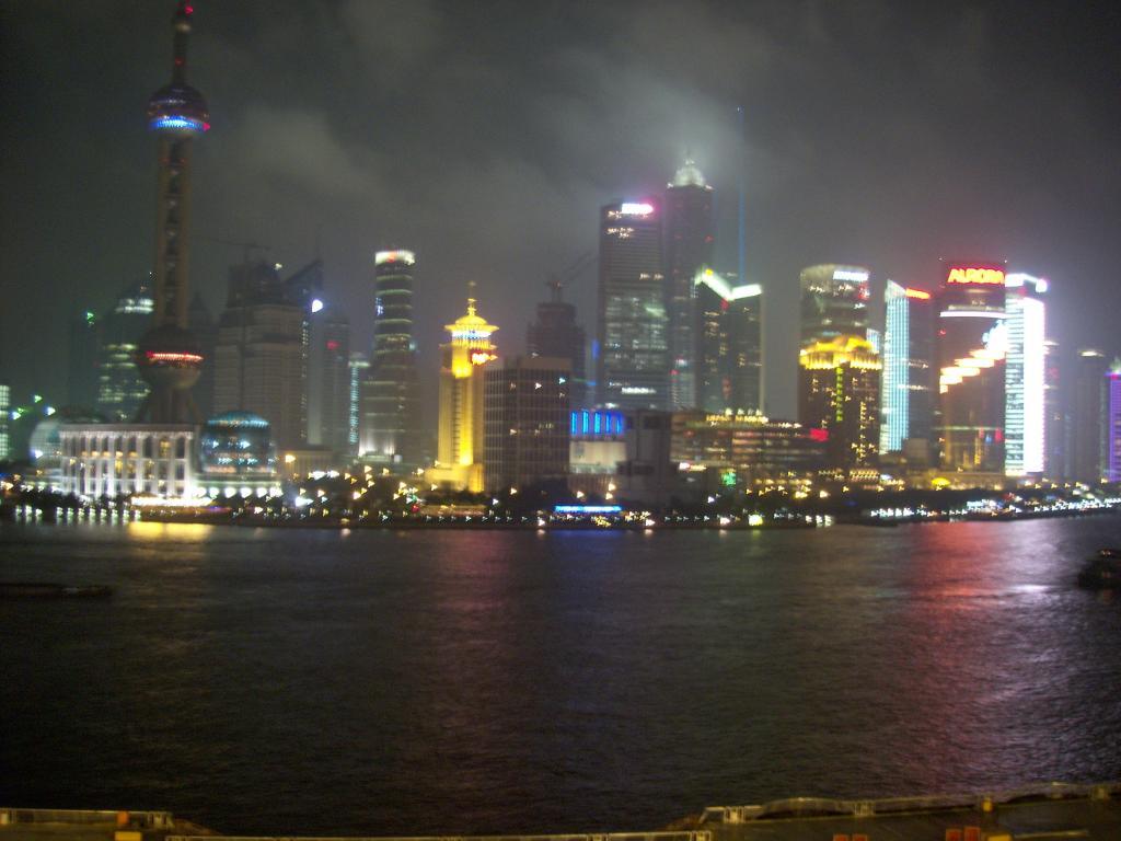 Bund Shanghai, aus der Bar Rouge fotografiert