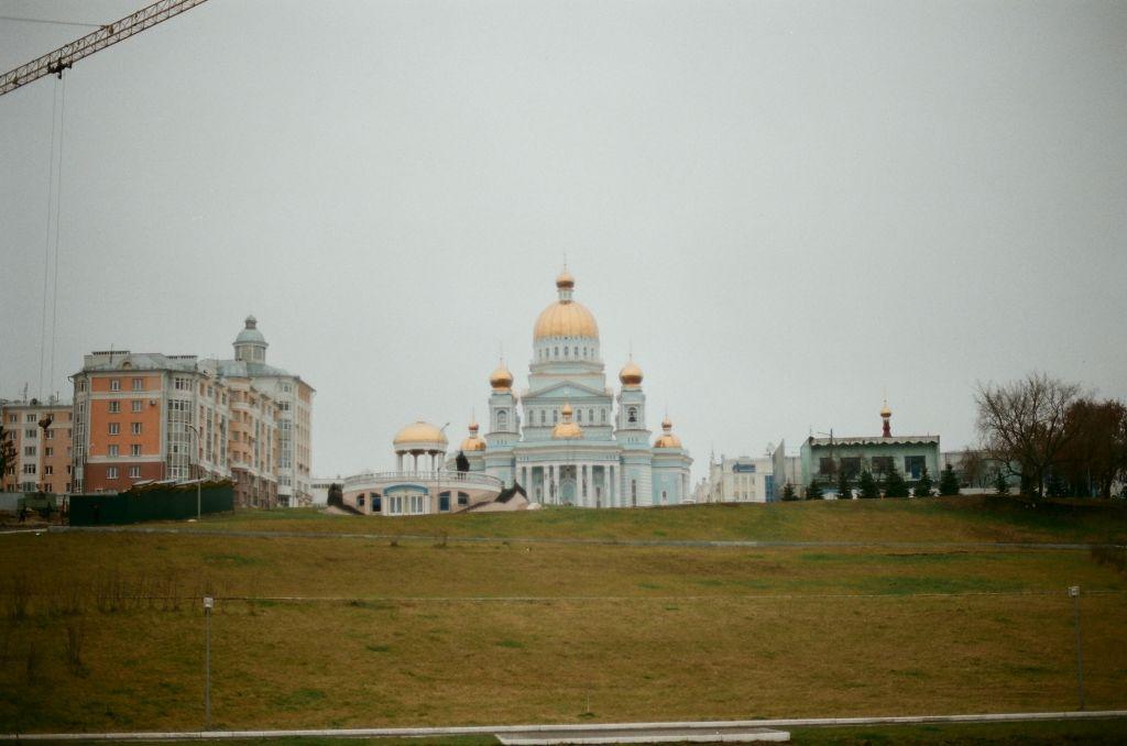In Saransk, der Hauptstadt Mordwiniens, ist in den letzten Jahren diese ganz neue, eindrucksvolle Kathedrale entstanden.