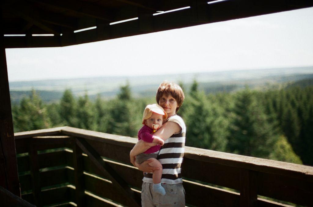 Auf dem Aussichtsturm am Weißen Stein bei Udenbreth, Sommer 2009