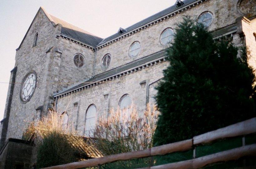 Im Château de Harzé kann man essen und übernachten, und es verfügt auch über eine eigene Bäckerei, die zu besichtigen ist.