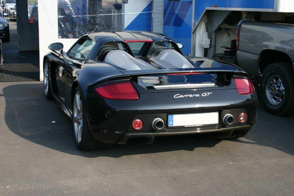 Porsche Carrera GT im Fahrerlager am Nürburgring