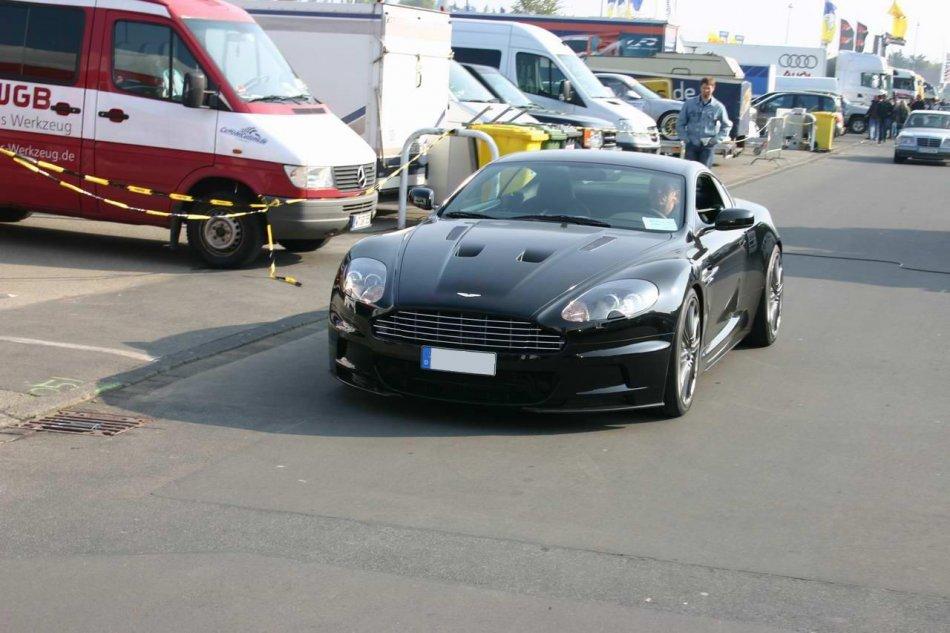 Aston Martin DBS im Fahrerlager am Nürburgring