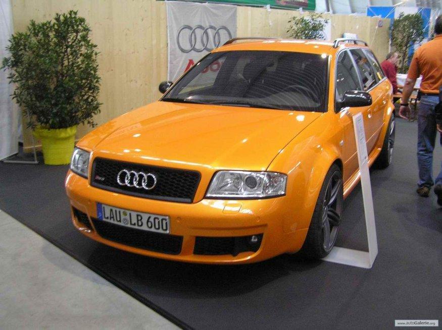 auf der Retro Classics 2009 in Stuttgart gerade fertig