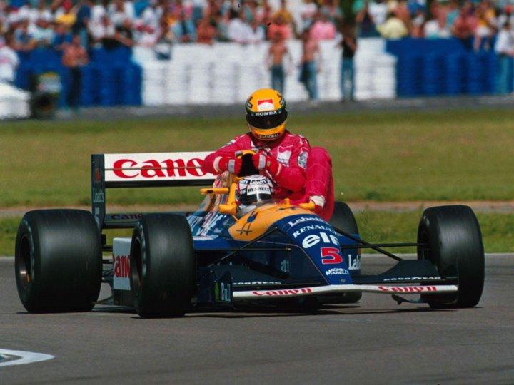 Nigel Mansell als Taxi für Ayrton