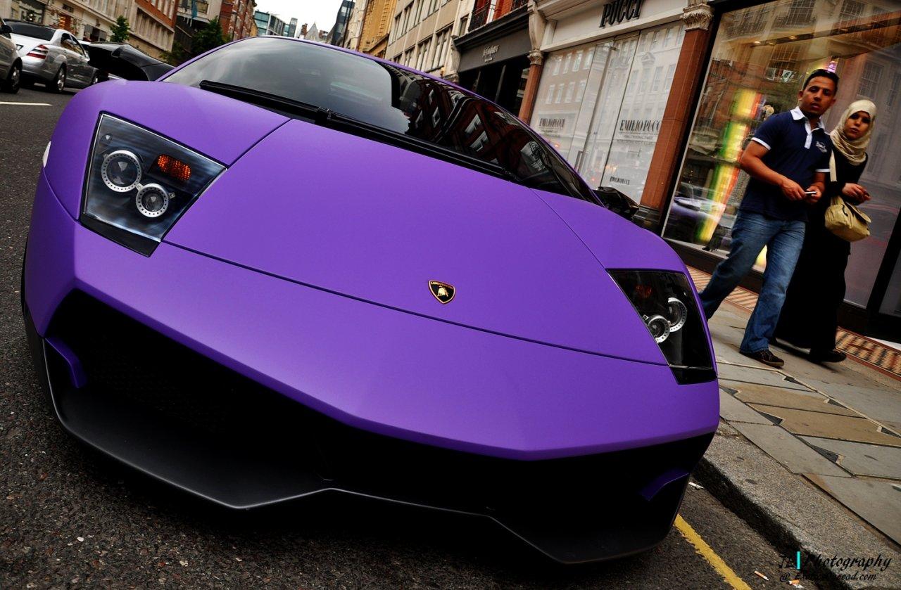 Mekka für Luxussportwagen - London