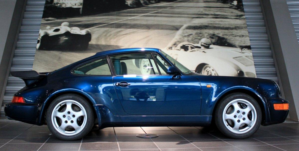 911 er blau metallic
