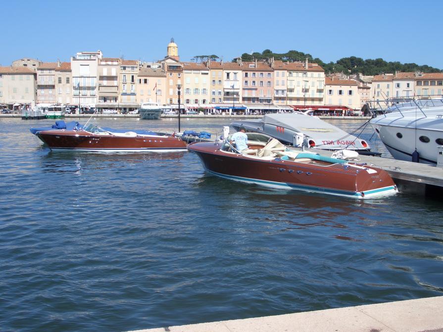 Rivas im Hafen von St. Tropz