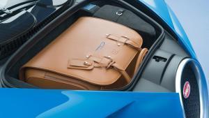 bugatti-chiron-28-1_jpg_900x900_q100.jpg