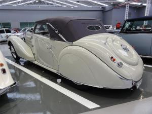 025_Bugatti stelvio-02.jpg