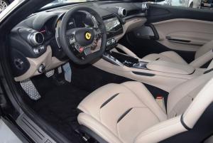 Ferrari GTC4 Lusso grau grau 008.JPG